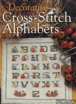 SPERANDEO, CHRISTINA - Decorative cross-stitch alphabets